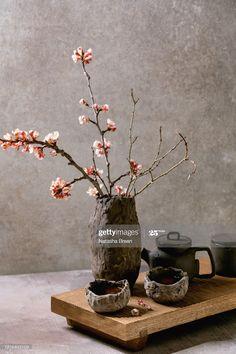 Stock Photo : Tea drinking wabi sabi style Wabi Sabi, Tea Ceremony Japan, Small Bedroom Interior, Zen Tea, Under Your Spell, Clay Cup, Flower Bird, Tea Art, Kintsugi