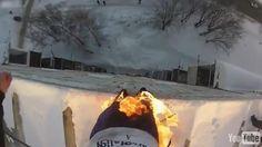 Kendini ateşe verip 30 metrelik binadan atlayan çılgın rus http://bit.ly/1EbLMyq