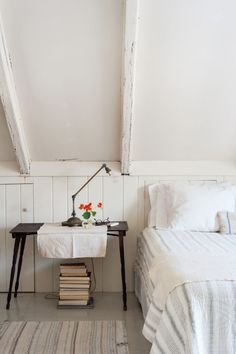 Home Interior Inspiration Justine Hand - Remodelista.Home Interior Inspiration Justine Hand - Remodelista Girls Bedroom, Summer Bedroom, Home Bedroom, Bedroom Decor, Bedrooms, Master Bedroom, Attic House, Attic Rooms, Attic Bathroom