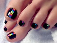 Are you searching for fun and super pretty nail designs for toes? We have a photo gallery featuring the trendiest toe nail designs.