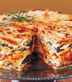 Mile-High Meatless Lasagna Pie - stacked with fresh vegetables, baby greens, aromatic herbs, three kinds of Italian cheeses and a rich, hearty tomato-basil sauce. It's ideal for a special-occasion dinner. Think Food, I Love Food, Good Food, Yummy Food, Tasty, Meatless Lasagna, Veggie Lasagna, Lasagna Noodles, Vegetarian Lasagne