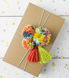 pom Crafts Boye Pom Pom & Tassel Making Set Crafts For Teens To Make, Easter Crafts For Kids, Creative Gift Wrapping, Creative Gifts, Wrapping Presents, Wrapping Ideas, Christmas Gift Wrapping, Christmas Crafts, Birthday Gift Wrapping