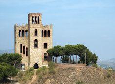 Mirador de Torre Baró´, en el distrito de Nou Barris,proporciona una excelente vista panoramicas de Barcelona y de las localidades colindantes, - Barcelona, Spain