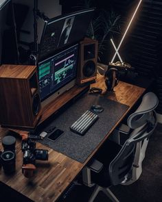 A felt desk pad really ties this setup together   Cult of Mac Home Studio Setup, Home Office Setup, Studio Room, Home Office Design, Computer Gaming Room, Computer Desk Setup, Gaming Room Setup, White Desk Gaming Setup, Cool Gaming Setups