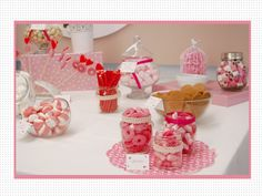 candy bar en rosa y blanco. Para bodas, bautizos y comuniones. Mesa de dulces. Chuches. Wedding candybar