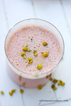 strawberry chamomile quinoa smoothie by Cooking Quinoa