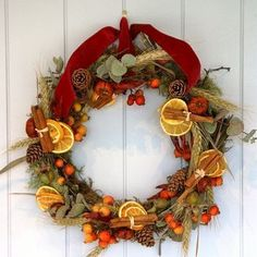 Risultati immagini per decori con frutta secca