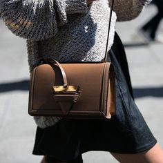 CATCH-a-TREND. Trendy Loewe Bag #streetstyle #loewe