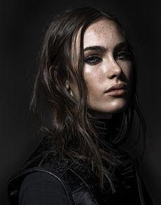 Elissa Bibaud - Google zoeken Foto Portrait, Female Portrait, Portrait Art, Mage The Ascension, Elissa, Foto Magazine, Kreative Portraits, 3 4 Face, Female Character Inspiration