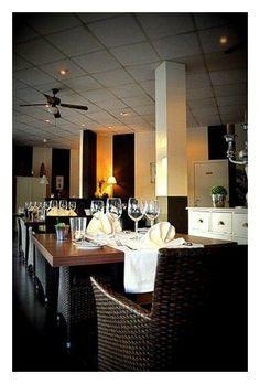 Amplio bar restaurante en una concentración de hostelería en Albir. El restaurante dispone de 150 m2 mas una terraza de 80 m2. www.myspainhouse.com