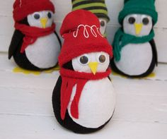 Diy no sew sock penguin penguins indie and socks little penguin no sew tutorial solutioingenieria Image collections