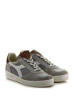 DIADORA Heritage - Sneakers - Uomo - Sneaker in camoscio, pelle e tessuto tecnico con parte tomaia micro forata e suola in gomma. Tacco 35, platform 25 con battuta 10. - MULTIGREY - € 210.00