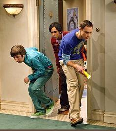 The Big Bang Theory - Cricket hunting: Kunal Nayyar, Jim Parsons, Simon Helberg Big Bang Theory Series, The Big Theory, Tbbt, Leonard And Penny, Simon Helberg, Long Term Care Insurance, Jim Parsons, Cloud Photos, Tv Reviews