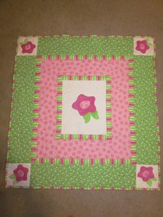 simple quilt... I want to make my irish quilt like this, frame each fabric with white