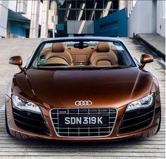 Audi R8 Spyder                                                       …