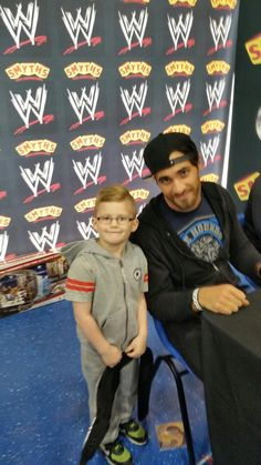 @Seth Rollins made my boys day favourite superstar as he says the man who can fly #BelieveInTheShield pic.twitter.com/uMvxyu75Ex