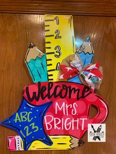 Teacher Signs Discover Back to School Door Hanger - Teacher - teacher gift wood cut out hand painted personalized door hanger Teacher Door Signs, Teacher Door Hangers, Teacher Doors, School Doors, School Decorations, Class Decoration, Wooden Door Hangers, Painted Doors, Teacher Appreciation Gifts