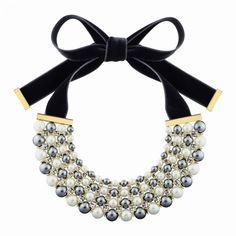 Collier con perle di resina e Swarovski Elements, Louis Vuitton.