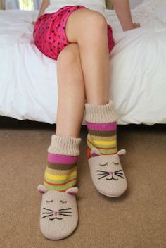 f0b7b6855e06 Knitted Animal Slipper Socks Cat   Happy Feet Slippers   BuyHappyFeet.com    snookislippers.