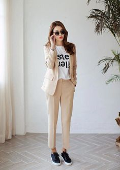 38 Ideas Womens Fashion For Work Chic Spring For 2019 - Outfits for Work Casual Work Outfits, Business Casual Outfits, Professional Outfits, Business Attire, Womens Fashion For Work, Work Fashion, Fashion Outfits, Fashion Ideas, Korean Fashion Trends