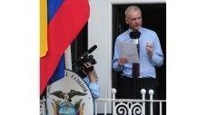 WikiLeaks: Assange combatif sur la liberté de la presse et pas décidé à se rendre