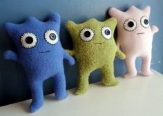 Monster! I think I can make these without a pattern