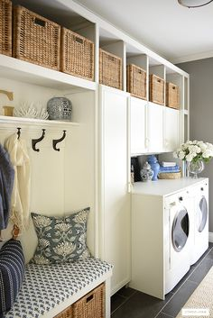 Laundry room with builtin cabinets and bench for storage and practical daily usage. Mudroom Laundry Room, Small Laundry Rooms, Laundry Room Organization, Laundry Room Design, Laundry Room Inspiration, Apartment Living, Small Spaces, Cabinets, Room Ideas