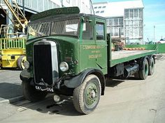 Leyland Cool Trucks, Big Trucks, Cool Cars, Classic Trucks, Classic Cars, Old Lorries, Road Transport, Old Commercials, Air Fighter