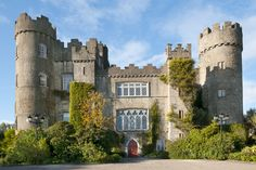 #malahidecastle #castles #ireland Castles, The Good Place, Ireland, Mansions, House Styles, Places, Mansion Houses, Chateaus, Castle