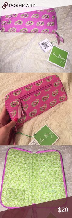"""Brand new with tags Vera Bradley travel organizer Brand new with tags! Vera Bradley """"travel organizer"""". Could also be used as a large wallet. Vera Bradley Bags"""