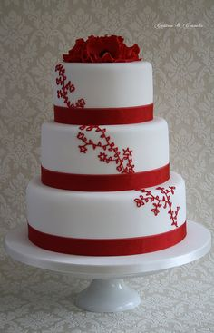 Round #Red #Wedding #Cake ideas … #Budget wedding #ideas for brides, grooms, parents & planners ... https://itunes.apple.com/us/app/the-gold-wedding-planner/id498112599?ls=1=8 ♥ The Gold Wedding Planner iPhone #App ♥ plus tips on how to have a dream wedding, within any budget. Wedding Cakes With Cupcakes, White Wedding Cakes, Beautiful Wedding Cakes, Gorgeous Cakes, Pretty Cakes, Elegant Wedding, Pastel Minion, Cotton And Crumbs, Red And White Weddings