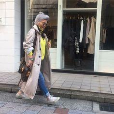 Older Models, Raincoat, Instagram, Jackets, Woman, Style, Fashion, Rain Jacket, Down Jackets