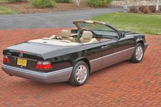 80's/90's Mercedes Benz E Class Cabrio. My absolutely favourite Mercedes.