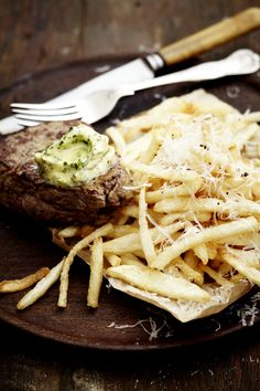 Thin Cut Fries with Steak and Truffle Butter: NoMU Recipe Side Recipes, Beef Recipes, Great Recipes, Recipies, Truffle Butter, Hot Butter, Fathers Day Lunch, Homemade Buns, Beef Fillet
