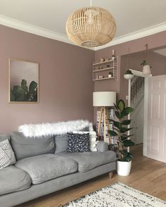 Scandi style living room painted farrow and ball sulking room pink Mauve Living Room, Grey Walls Living Room, Living Room Color Schemes, Paint Colors For Living Room, Living Room Grey, Living Room Interior, Home Living Room, Living Room Designs, Pink Wallpaper Living Room