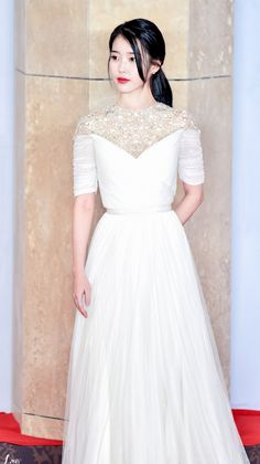 Iu Fashion, Korean Fashion, Fashion Dresses, White Outfits, Stylish Outfits, White Gowns, White Dress, Iu Hair, Cute Dresses