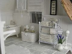 Shabby Chic Little Bathroom    Dollhouse Miniatures and Accessories