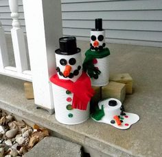 If you are looking for some new kids crafts ideas, you are in luck. With some felt, buttons and spray paint, you and your family are set to make your creative, fun and cool tin can man. Make a Tin Can Snowman or a whole family.