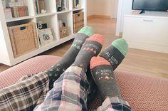 """46 Me gusta, 1 comentarios - Victor (@gorivars) en Instagram: """"Contigo al quinto pino #happy #inlove #uo #calcetines #alicante #inhouse #conmiprincesa…"""""""