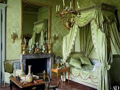 All Personal Feeds Architectural Digest, Green Rooms, Bedroom Green, Bedroom Decor, Bedroom Furniture, Wood Bedroom, Beautiful Bedrooms, Beautiful Interiors, French Interior