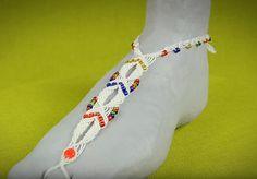 Loooooveeee these Bohemian Barefoot Sandals! Gorgeous beading idea!