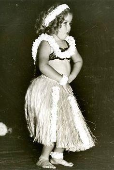 1935 Little Shirley Temple in Hawaii