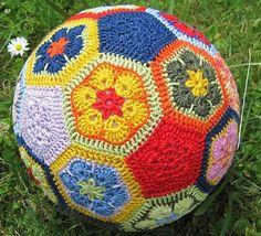 Crochet Ball no pattern Crochet Ball, Love Crochet, Crochet For Kids, Beautiful Crochet, Crochet African Flowers, Crochet Flowers, Crochet Animals, Crochet Toys, Flower Ball