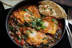 Έτοιμο σε 15 πραγματικά λεπτά, ένα από τα πιο αγαπημένα μου φαγητά το Μαροκινό Shakshuka, εδώ σε παραλλαγή με σπανάκι.