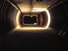 Crossover Passage London Underground, Mafia, Crossover, Shelter, History, Audio Crossover, Historia