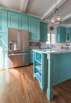 Mikayla Valois – Riverhead Building Supply (House of Turquoise) Turquoise Kitchen Cabinets, Turquoise Kitchen Decor, Vintage Kitchen Cabinets, Kitchen Cabinet Design, Kitchen Redo, Kitchen Colors, Kitchen Interior, New Kitchen, Aqua Kitchen