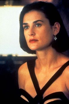 Indecent Proposal - Publicity still of Demi Moore Demi Moore Short Hair, Pretty Hairstyles, Bob Hairstyles, Celebrity Hairstyles, Demi More, Indecent Proposal, Black Bob, Iconic Dresses, Aesthetic People