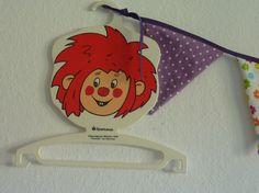 Vintage Kinderkleiderbügel Pumuckl von HelloPolly auf DaWanda.com
