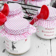 Tres Leches Baked in Recycle Baby Food Bottles for Picnic ! #Baby, #Bottles, #Food #RecycledGlass Picnic Time, Summer Picnic, Strawberry Shortcake Party, B Food, Glass Bottle Crafts, Baby Food Jars, Neighbor Gifts, Childrens Party, Baby Birthday
