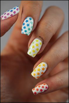Didoline's Nails #nail #nails #nailart <3<3<3LOVELY NAILS ON A LOVELY HAND - JUST MADE 4 MODELING HER ART - SO EACH ART DESIGN LOOKS 'THE BEES KNEES'!<3<3<3DOES FAB ART ALWAYS TOO<3<3 :) @
